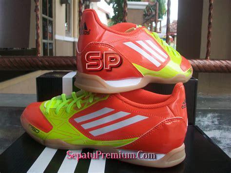 Harga Adidas F5 adidas f5 in highenergy white electricity sepatu bola