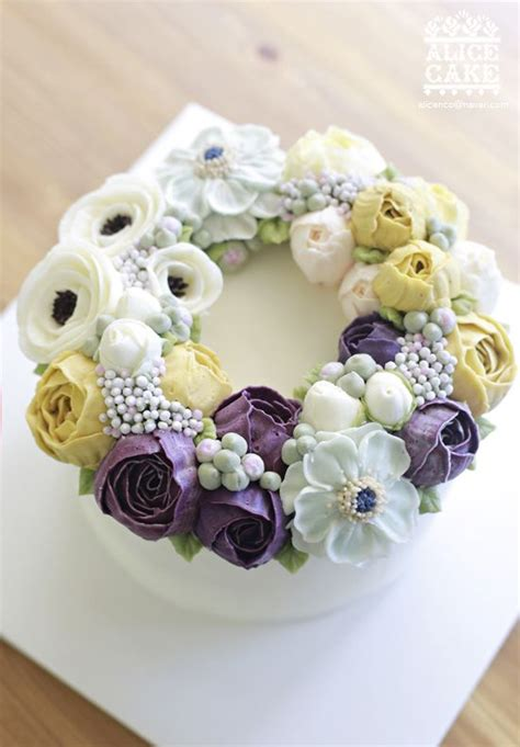 Wreath Style Korean Buttercream wreath style cake made by butter cake cake and wreaths