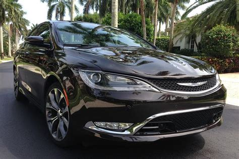 Is A Chrysler 200 A Car by 2014 Vs 2015 Chrysler 200 What S The Difference