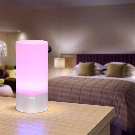 luce da comodino lade da comodino il comfort della luce in da letto