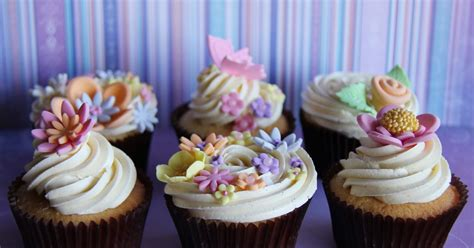 Coco Jo Cake Design Flower Coco Jo Cake Design A Bunch Of Flowers Cupcakes