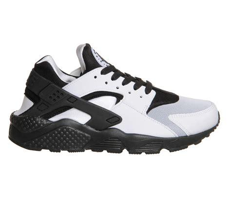 nike womens black sneakers authentic cheap nike air huarache womens sneakers white