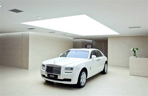 largest rolls royce official world s largest rolls royce showroom opens in china