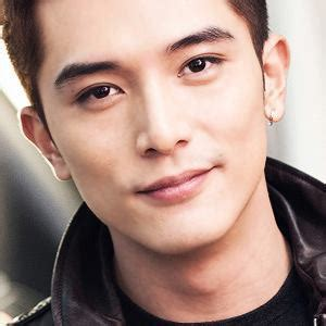 film cina waking love up roy chiu 邱泽 men sharing