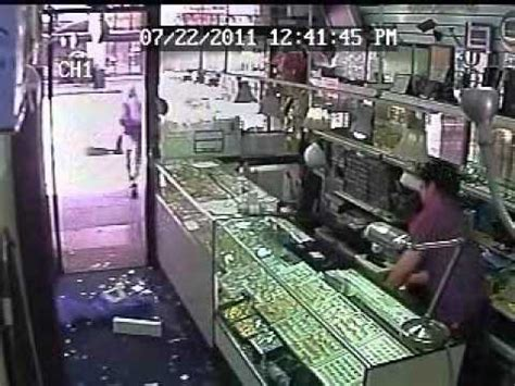another smash grab robbery in jewelry district on