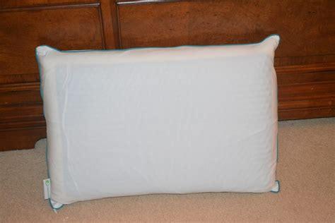 pillow cooler comfort revolution s hydraluxe cooling gel pillow review