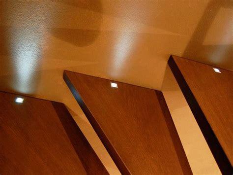 faretti per illuminazione interna oltre 25 fantastiche idee su illuminazione di scale su