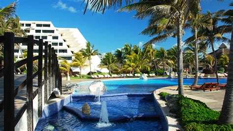 pyramid room grand oasis cancun oasis pyramid rs up luxury exclusivity in cancun travel weekly