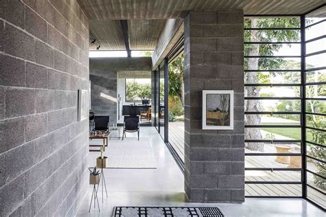 Concrete, Blockwork and a Love for the Landscape Shape