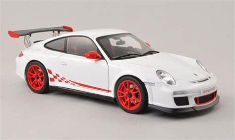 Diecast Miniatur Replika Mobil Porsche 911997 S Coupe porsche 997 gt3 rs 3 8 white 2010 autoart diecast