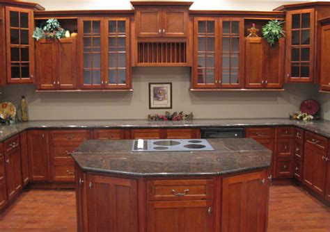 kitchen ideas cherry cabinets cherry shaker kitchen cabinets home design traditional