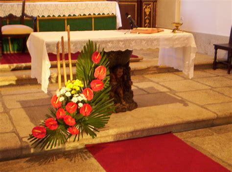 arranjo floral flores na liturgia