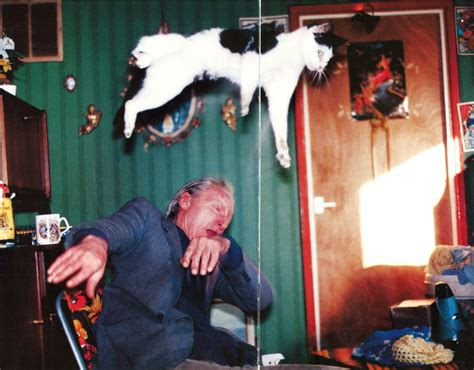 libro richard billingham rays richard billingham s rays a laugh photo series of his alcoholic father and heavily tattooed