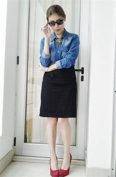 deborah ferrero denim shirt black skirt fuchsia suede