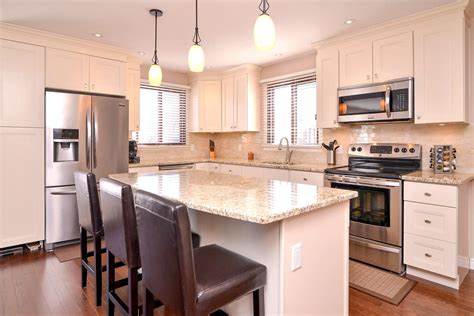 how to make old kitchen cabinets look good common mistakes made while choosing kitchen cabinets