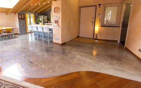 costi pavimenti in resina finest costo resina per pavimento pin pavimenti in resina