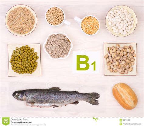 alimenti vitamina b1 vitamina b1 che contiene gli alimenti fotografia stock