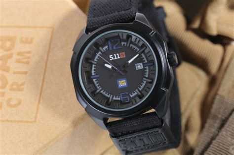Jam Tangan 5 11 Tactical 23110 jual jam tangan 511 tactical analog turn back crime tali