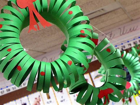 10 christmas wreath crafts for kids
