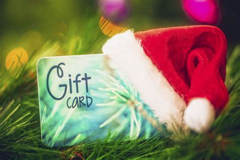 People Who Buy Gift Cards - 6 irresistible incentives to get customers to purchase gift cards during the holidays