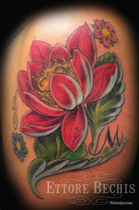 tattoo flower com red lotus flower tattoos tat s pinterest lotus