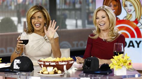 hairdresser for kathie lee and hoda klg talks about bunions kayaking and laughing with hoda