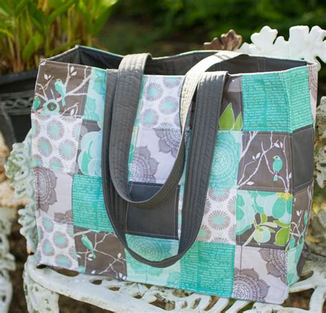 Patchwork Tote Bag Pattern Free - speedy patchwork tote bags easy sewing tutorial
