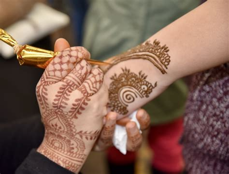 henna tattoos jackson heights multicultural eid festival fair 2017 sydney