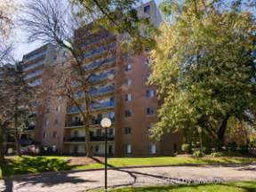Hamilton 2 Bedroom Apartments 951 955 961 Wonderland Rd South London On 2 Bedroom