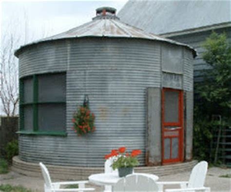 small scale homes: tiny house inspiration