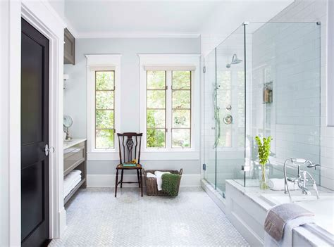 Baignoire Combiné by See How This Designer Refreshed A Master Bath And Laundry