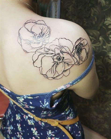 minimalist tattoo vienna 25 best poppy flower tattoos ideas on pinterest small