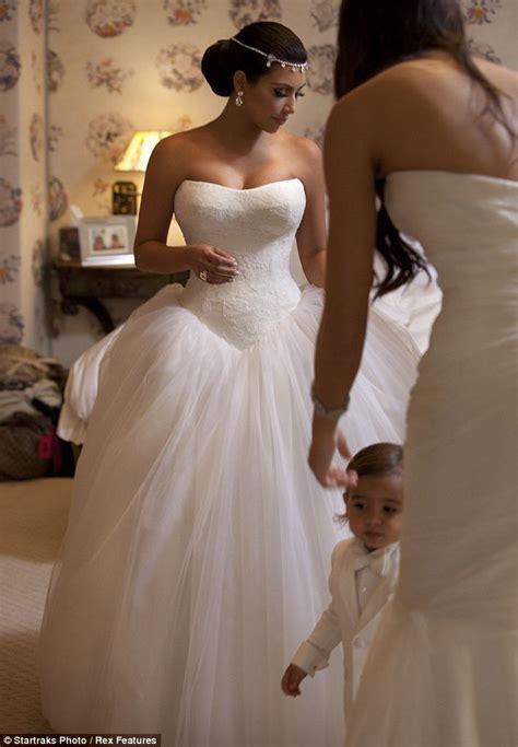 Kim Kardashian and Kris Humphries wedding photos: Inside the fairytail ceremony   Daily Mail Online