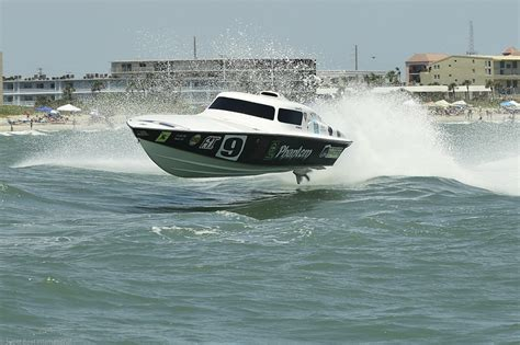 unlimited super boats amazing wave jumping super boats at the cocoa beach grand