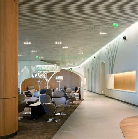 design lounge 10 spectacular airport lounges around the globe impress