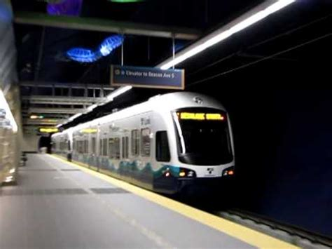 sound transit central link light rail departing beacon