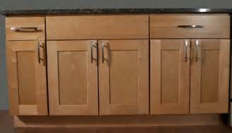 shaker door style kitchen cabinets kitchen cabinets shaker style maple search for