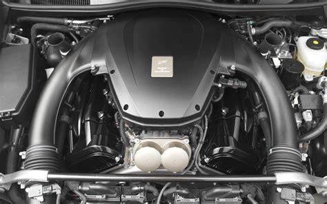 lexus lfa engine 2012 lexus lfa vs 2010 nissan gt r comparison motor trend