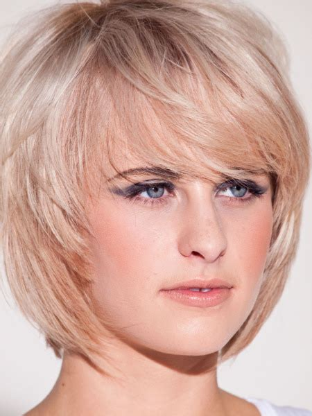 messy toward face hair cut round layered bob bastian casaretto beauty