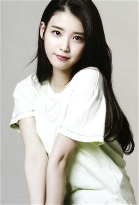 biography iu korean singer related keywords suggestions for iu korean