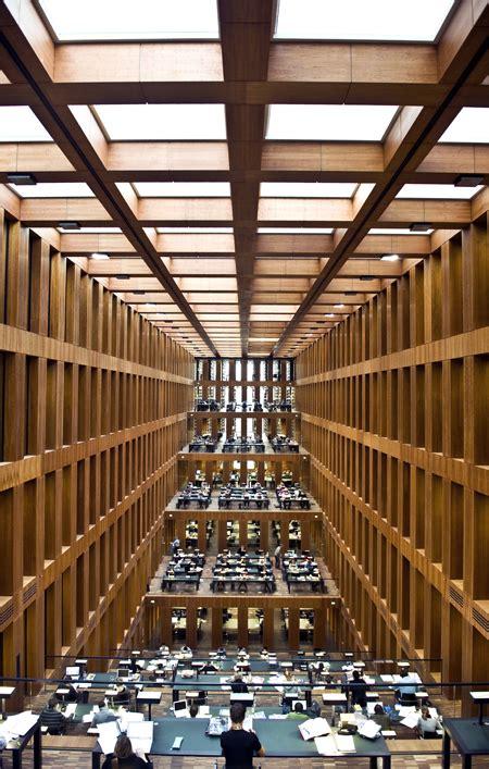 architekturfotografie berlin grimm bibliothek