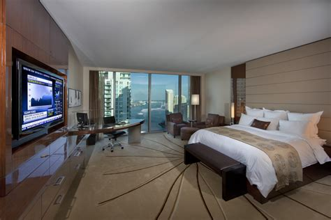 marriott rooms teleadapt s mediahub hd turns up the volume at jw marriott marquis miami