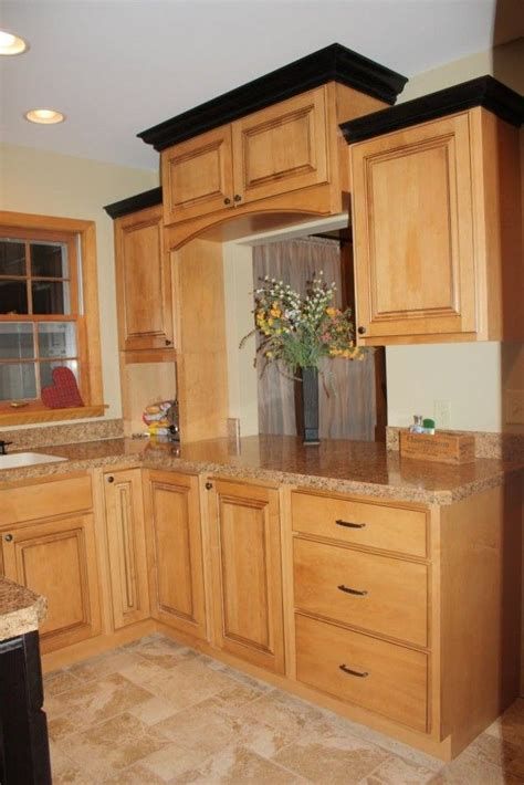 kitchen crown moulding ideas 52 best images about kitchen on island
