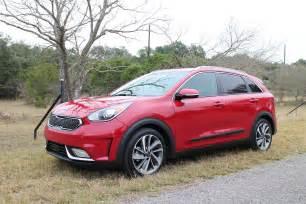Kia San Antonio 2017 Kia Niro Hybrid Drive Report