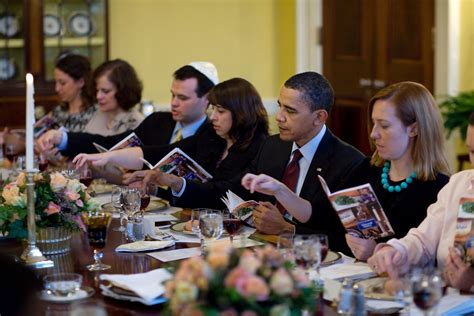 white house diner file passover seder dinner at the white house 2010 jpg wikimedia commons