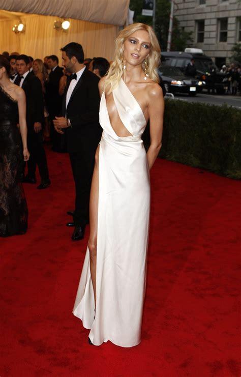 Mcadams Models Beyonce And Kirstens Oscar Dresses In by Met Gala 2012 Worst Dressed Beyonce Kristen Stewart