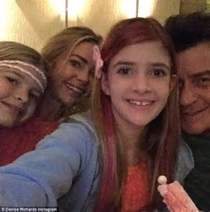 charlie sheen and denise richards play happy families to