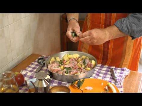 come cucinare il coniglio al forno con patate come cucinare il coniglio al forno guide di cucina