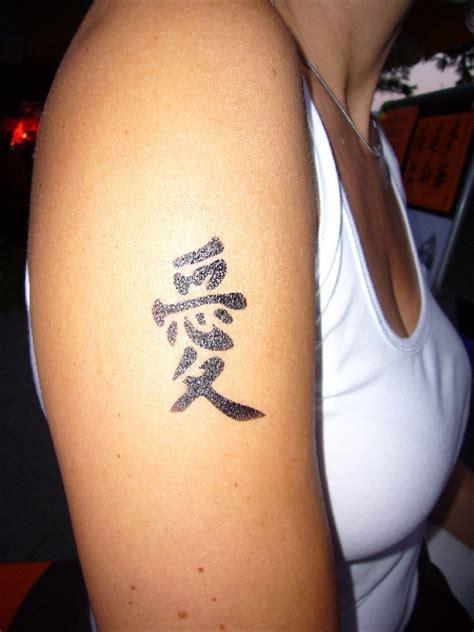henna tattoo vorarlberg airbrush tattoos zauberkunst comedy mit zauberer