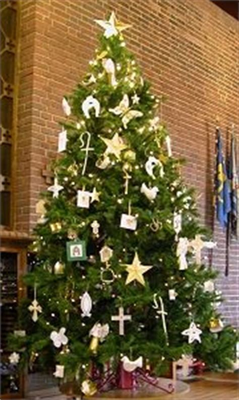 the brst chriss tree and litlle church 37 best images about chrismons on trees church and felt